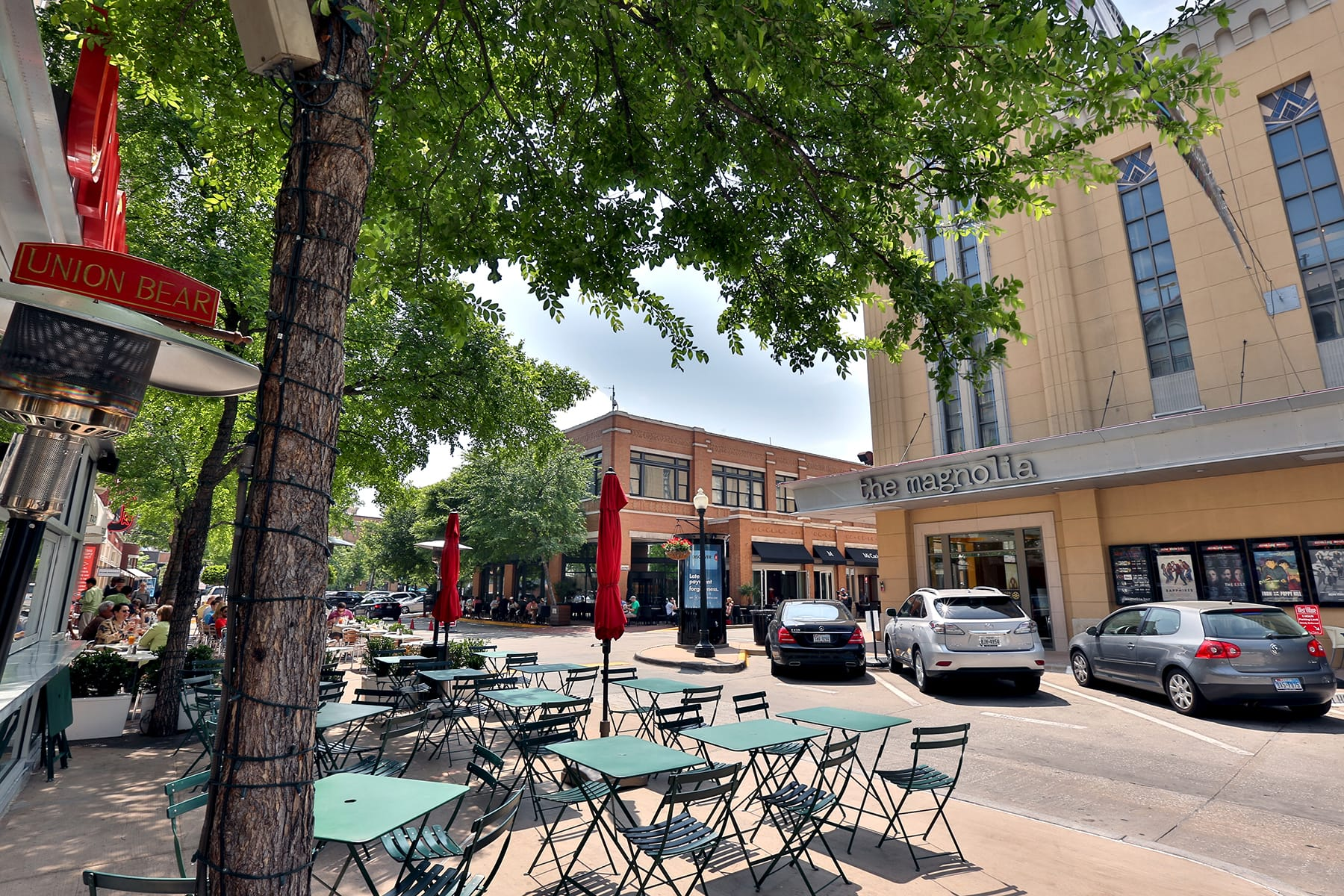 Uptown Dallas Apartment Living - Restaurants with Outdoor Patios