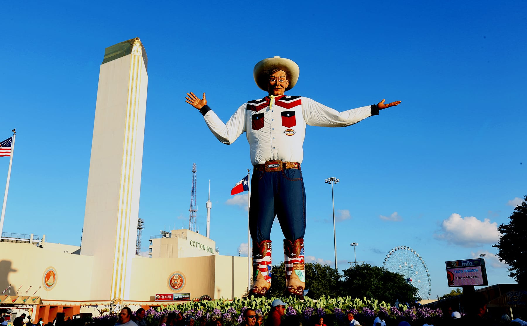 The Cedars Dallas Apartment Living - Texas State Fair Park Big Tex