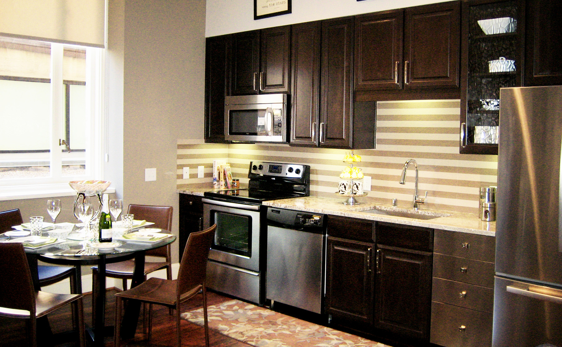 Apartments in Downtown Dallas with Wood Floors