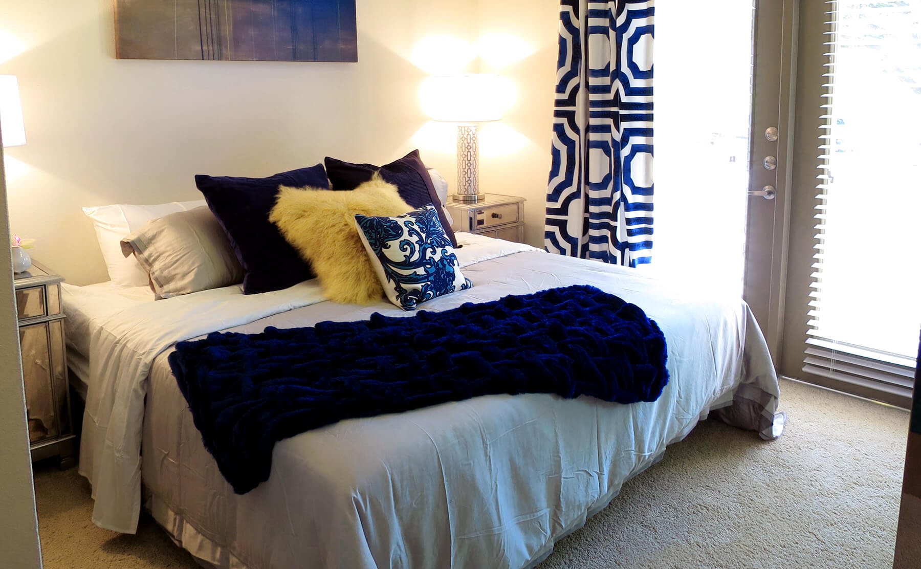 Lakewood Dallas Apartment Living - Bedrooms that fit king size beds