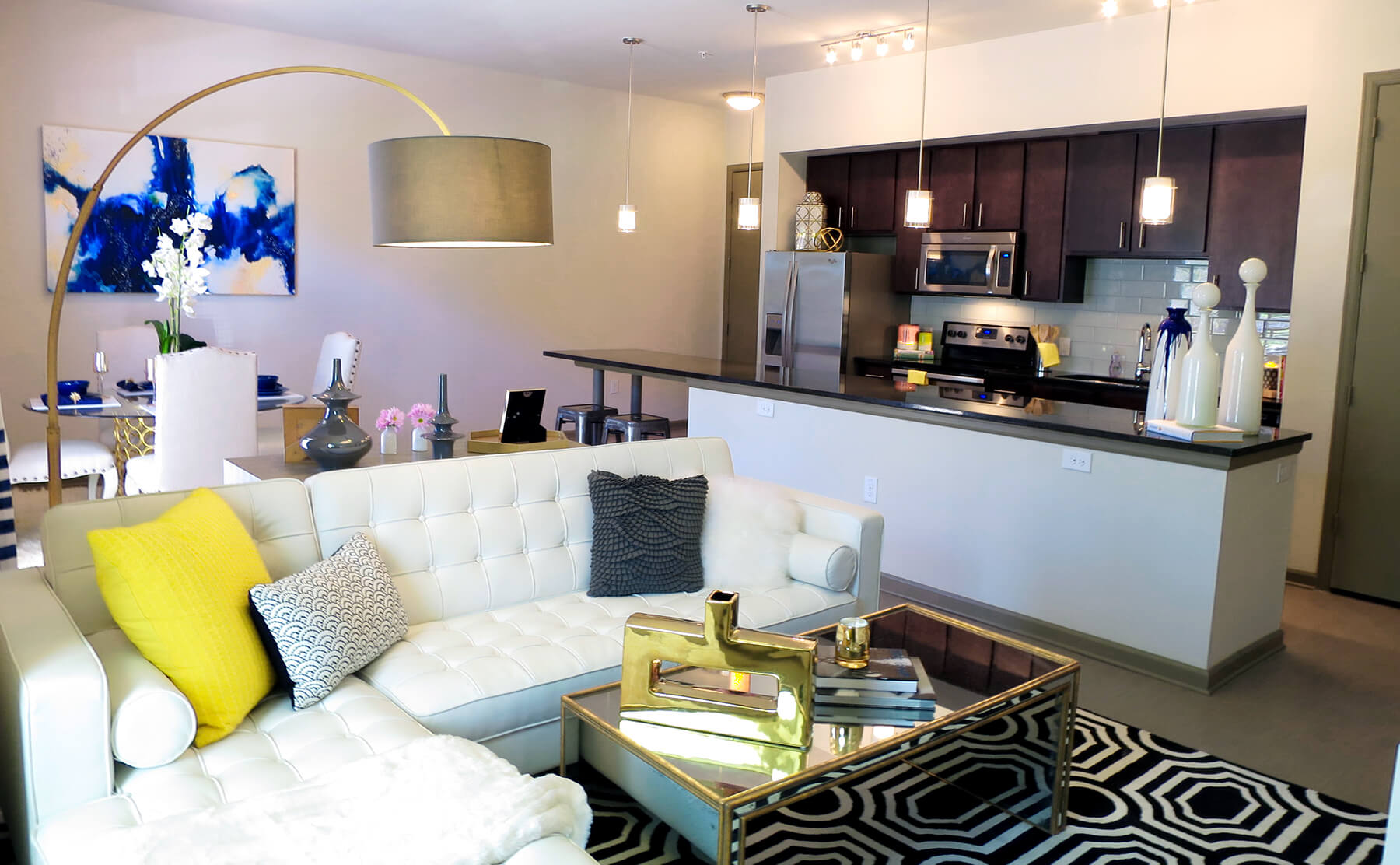Lakewood Dallas Apartment Living - Open floor plans