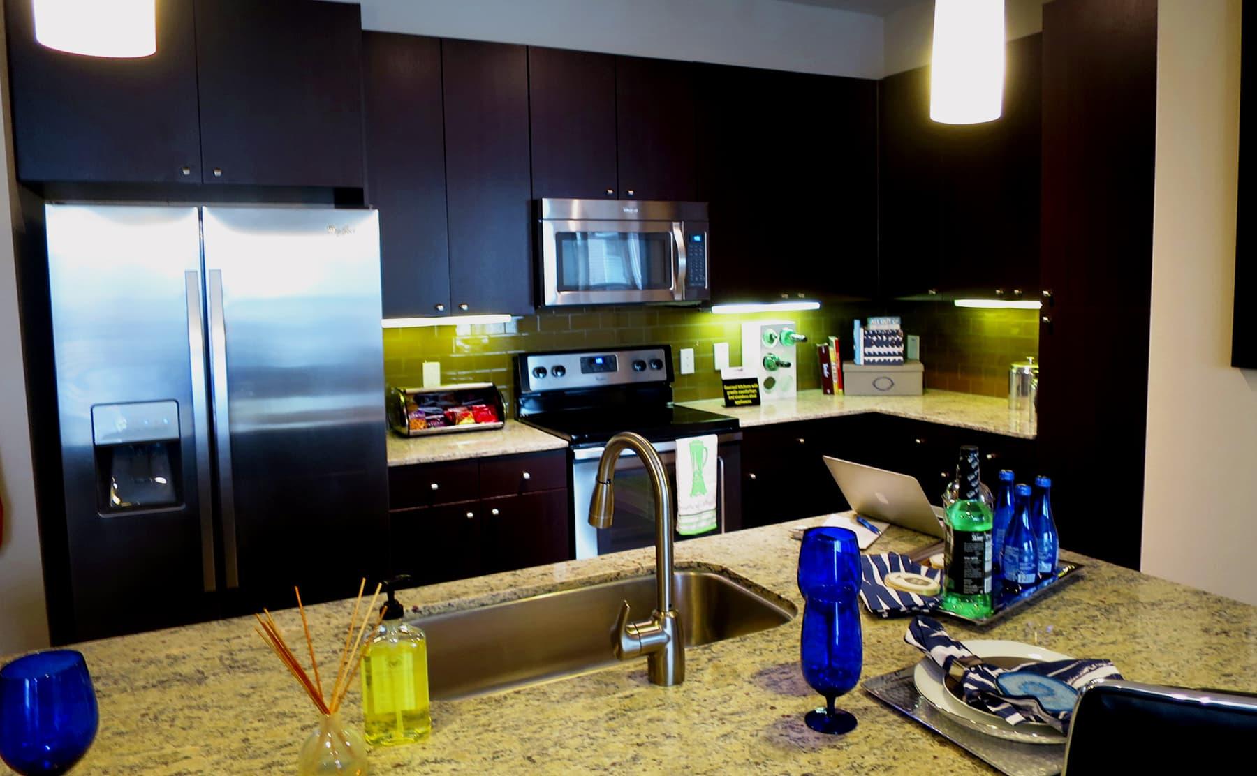 Apartments in Las Colinas - Irving with Granite or Quartz Countertops