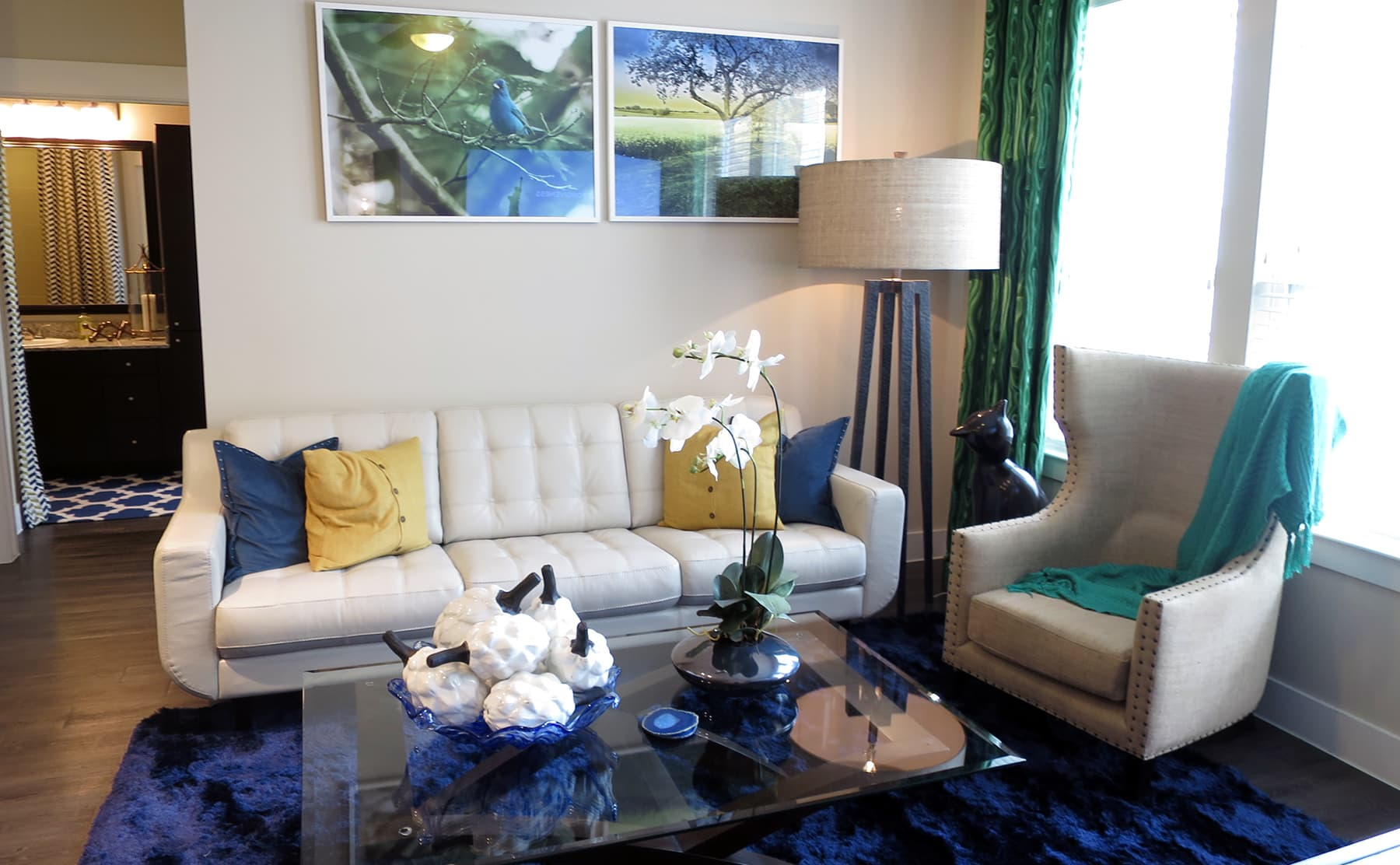 Las Colinas - Irving Apartment Living - Beautifully Furnished