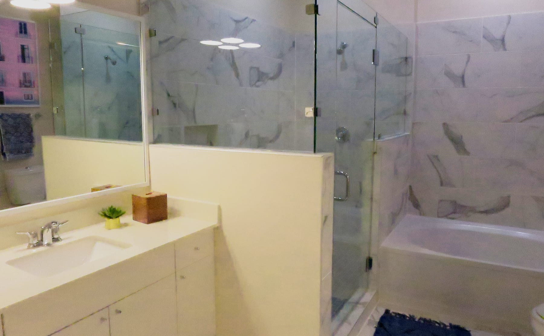 Midtown Dallas Apartment Living - Gorgeous Bathrooms