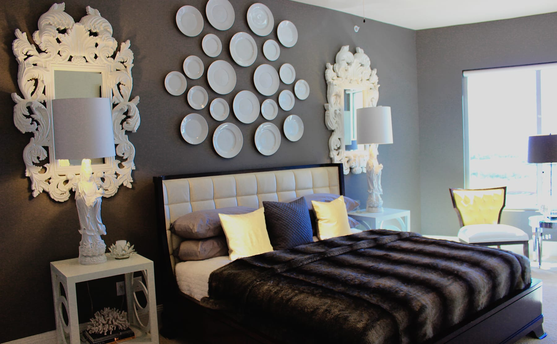 Midtown Dallas Apartment Living - Luxury Bedrooms
