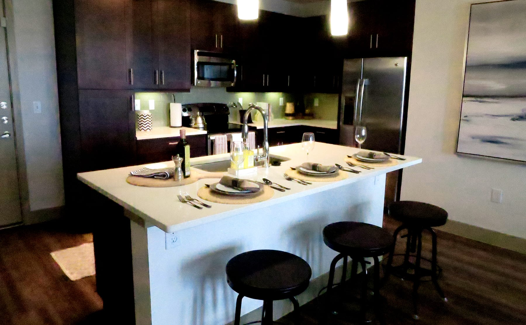 Midtown Dallas Apartment Living - Upscale Kitchens
