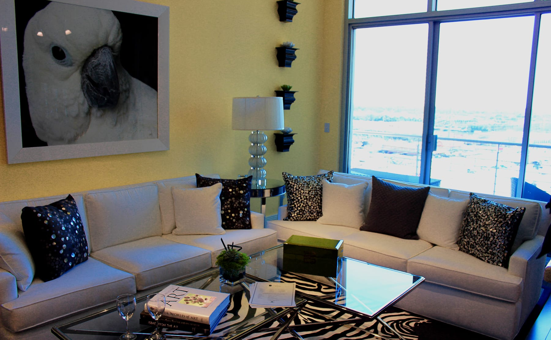 Midtown Dallas Apartment Living - Beautiful Interiors