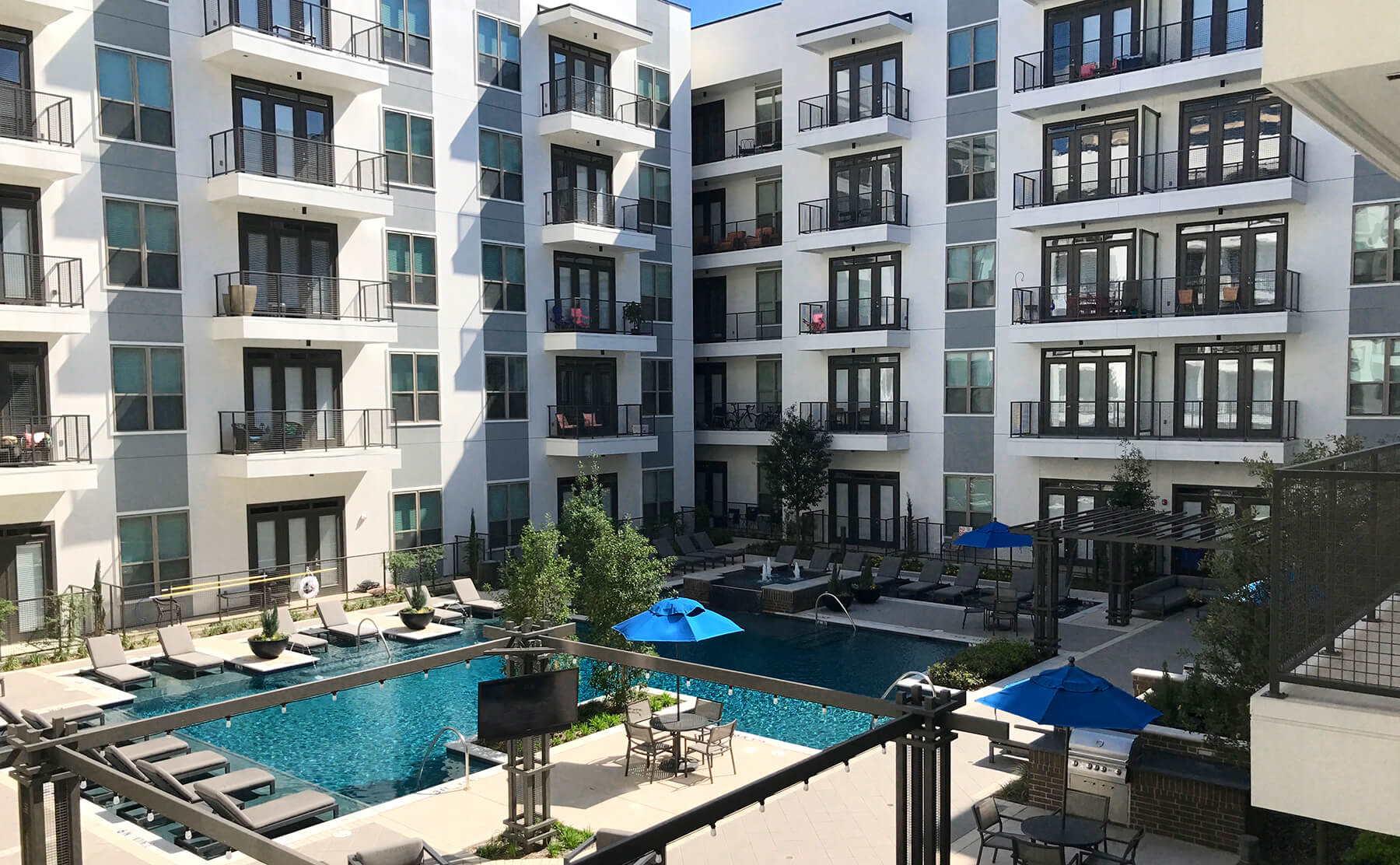 Apartments in Richardson with the Best Pools