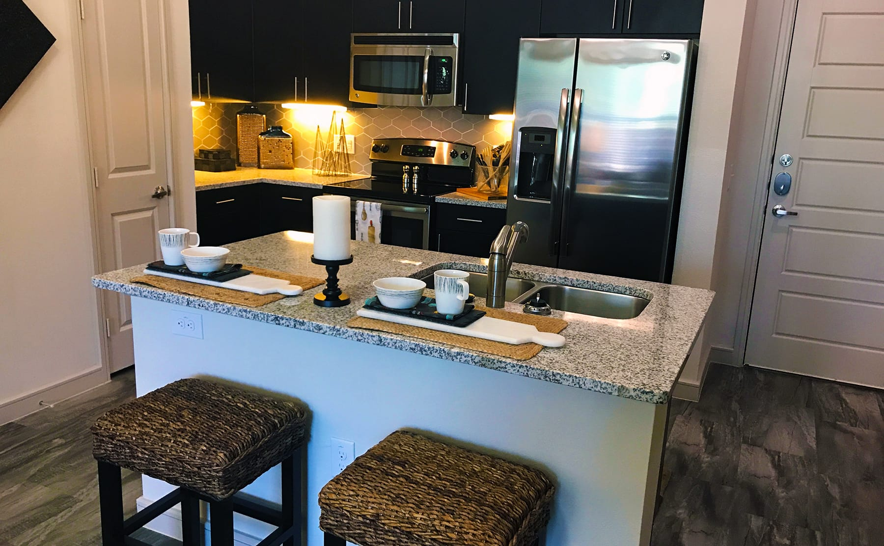 Apartments in The Cedars Dallas with Stainless Appliances